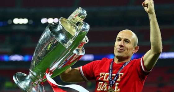 Robben Trofi Juara Liga Champions 2013